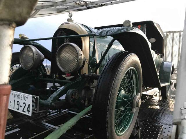 画像1: グランツーリズモで見せる「カーガイの背中」と、すでに沿道には根付いている自動車文化 (La Festa Mille Miglia をサポートカーで走ってみた③)