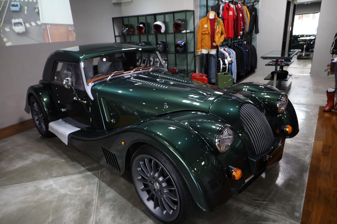画像: ピッカピカの新車 Morgan plus6