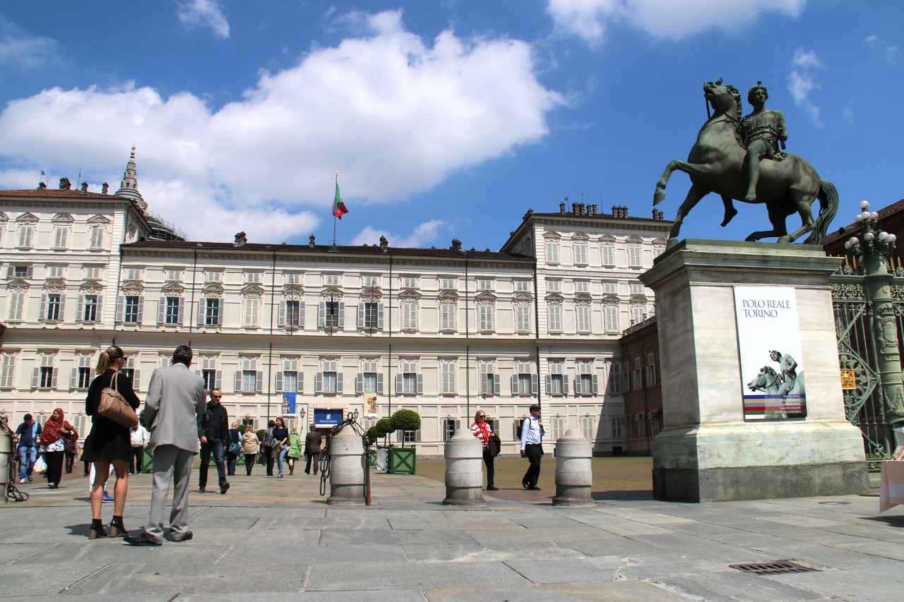 画像: トリノにおけるシンボル、旧サヴォイア家王宮。ここは統一イタリア王国最初の首都だった。