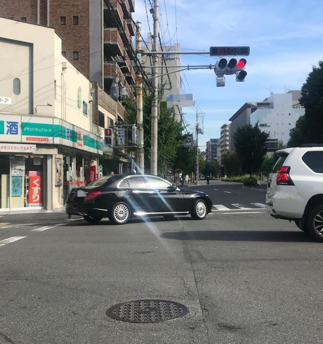 画像: ちょっと通なメルセデスのタクシー