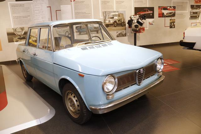 """画像: 1960年の試作車「ティーポ103""""ピドッキオ""""」は、横置エンジンの前輪駆動車。pidocchioとはイタリア語でシラミの意味で、デザイナーたちによってつけられた愛称であった。"""