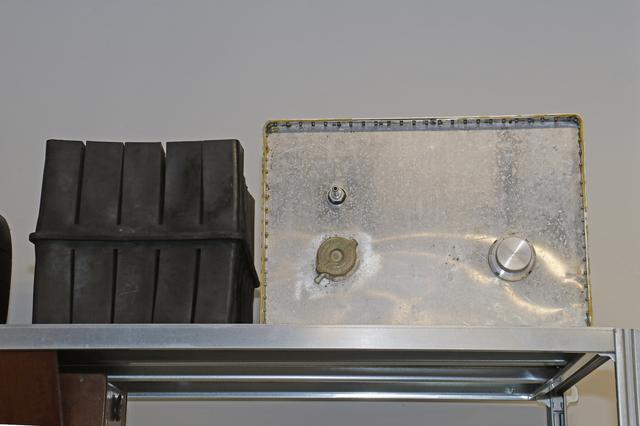 画像: 名設計者カルロ・キティの考案によるレーシングカー用燃料タンク。消火剤を封入した弾性素材と組み合わせることにより、事故時の安全性を向上させた。