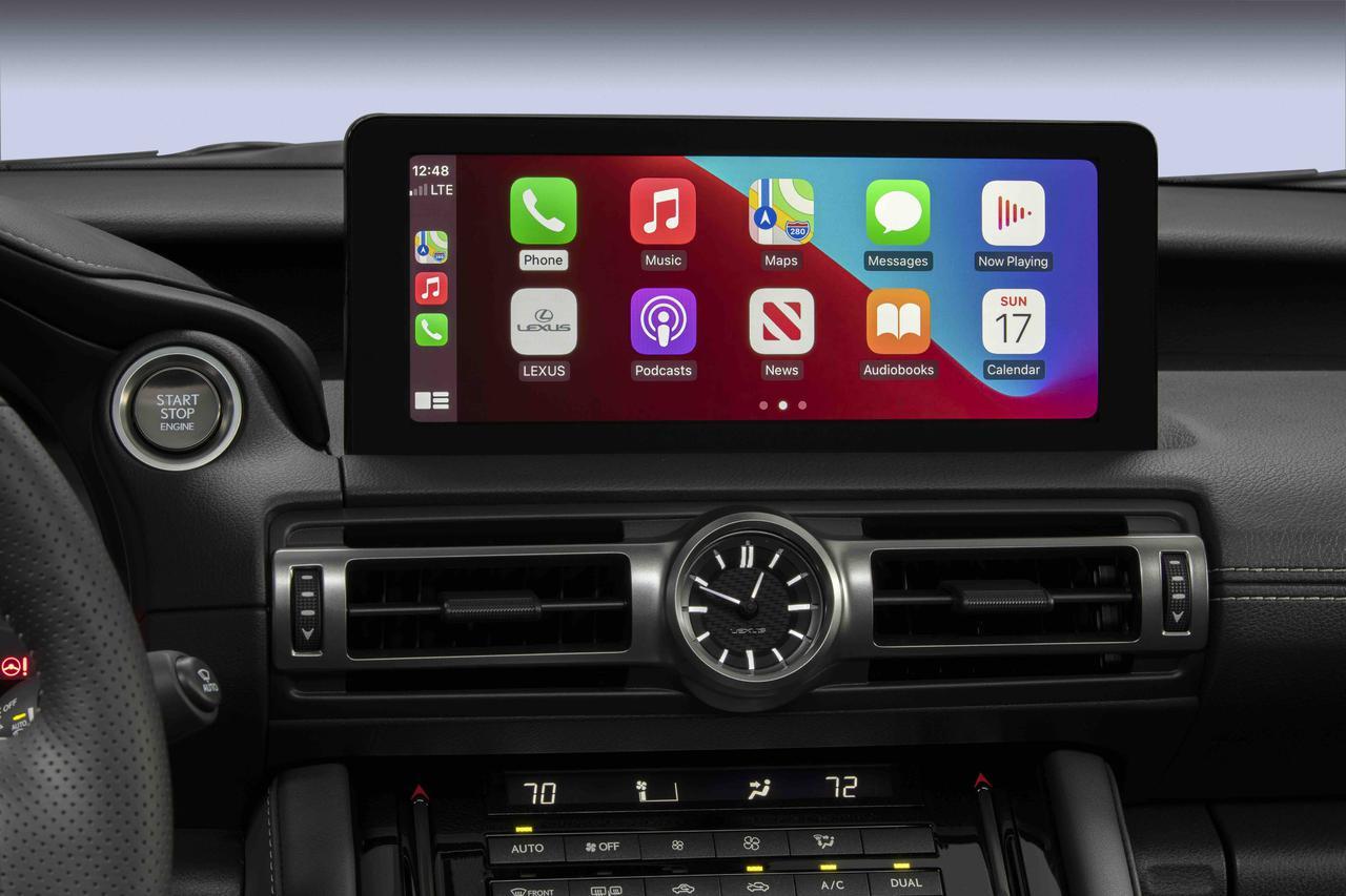 画像: 安全装備は標準のISに準じ、スマートフォン連携ディスプレイも搭載されている。