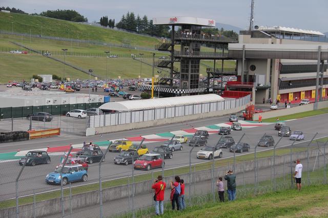 画像: 2020年は突然F1の開催地にもなったムジェッロ・サーキット。たびたびヒストリックカーのファンイベントの舞台にもなる。