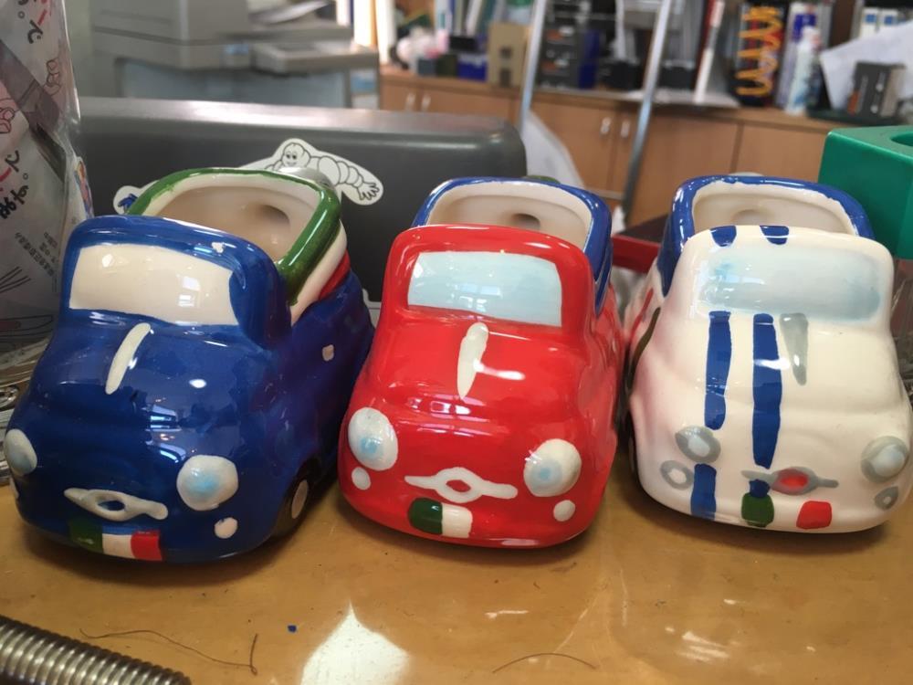 画像: イタリアの1ユーロショップで購入されたというFIAT500の小物入れもかわいい!