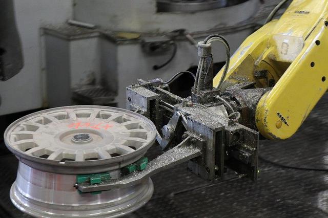 画像: OZ Racing イタリア取材 第3部 工場・ミュージアム見学 CARCLE MAGAZINE