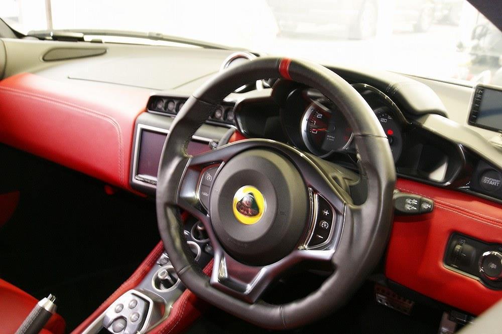 画像10: 英国車の正規ディーラー「ACマインズ」さんへ訪問