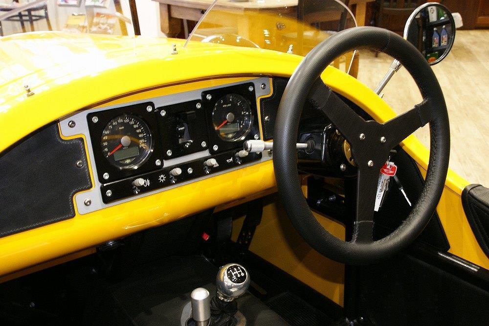画像5: 英国車の正規ディーラー「ACマインズ」さんへ訪問