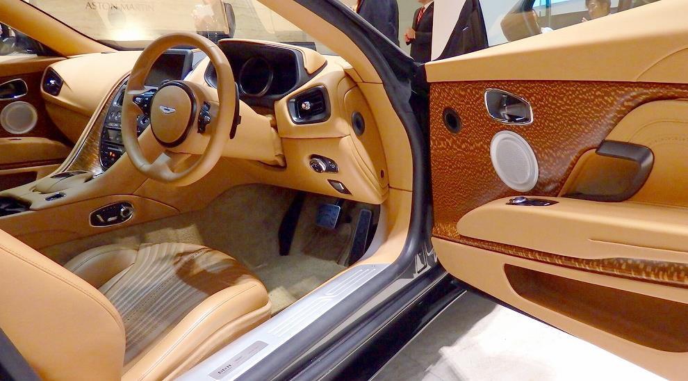 画像12: 車と人が一緒に枯れることができる唯一のスーパーカー、それがアストンマーティン by Tomoyuki Shimada