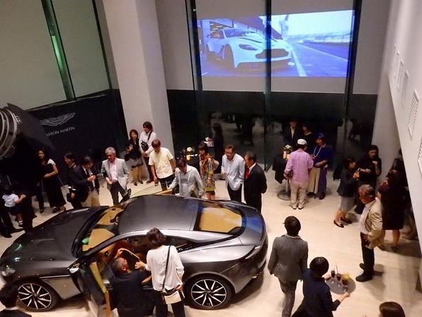 画像7: 車と人が一緒に枯れることができる唯一のスーパーカー、それがアストンマーティン by Tomoyuki Shimada