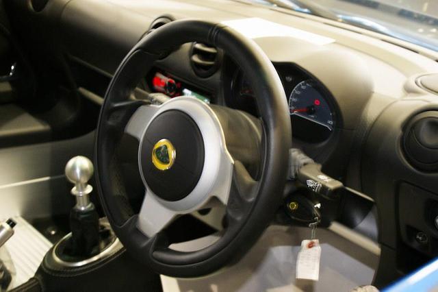 画像13: 英国車の正規ディーラー「ACマインズ」さんへ訪問
