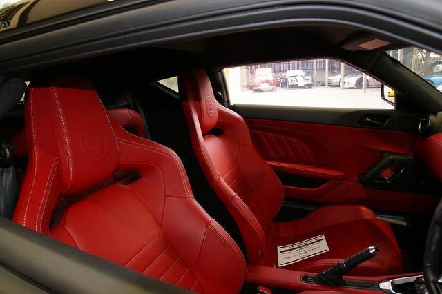画像11: 英国車の正規ディーラー「ACマインズ」さんへ訪問