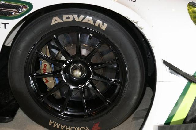 画像: スーパーGTレース車両は安定のOZ Racingホイール着用。
