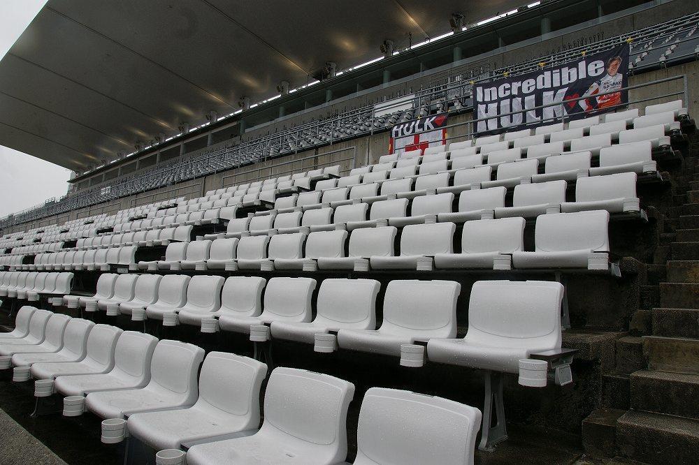 画像: 開場前なので客席も誰もおらず会場内も静かです。