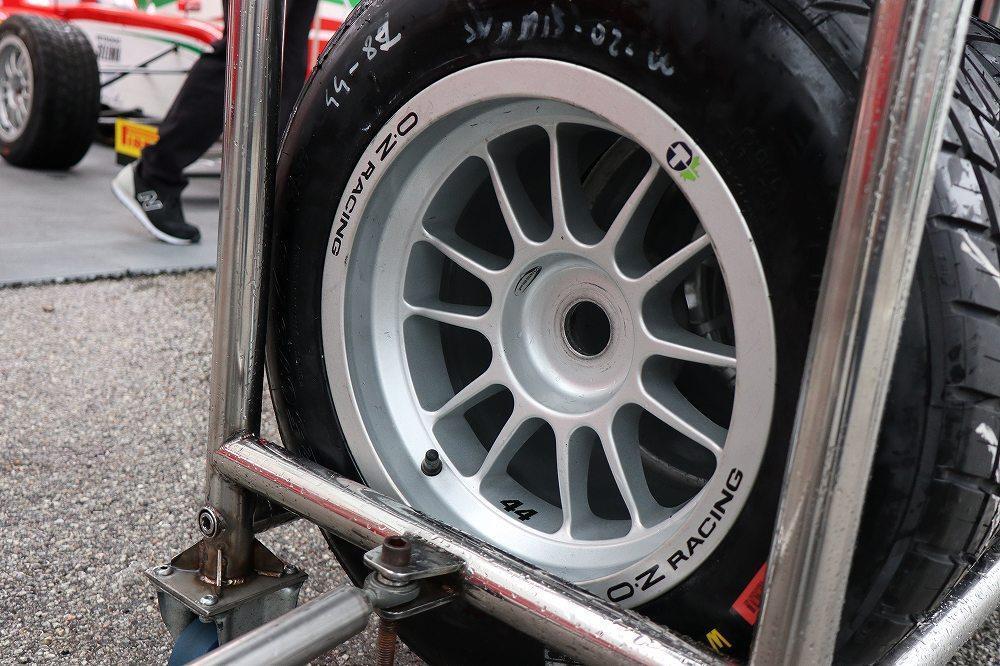 画像4: レース準備