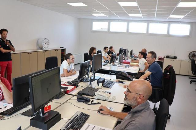 画像2: OZ Racing イタリア取材 第4部 OZ本社で働く人々の紹介 CARCLE MAGAZINE