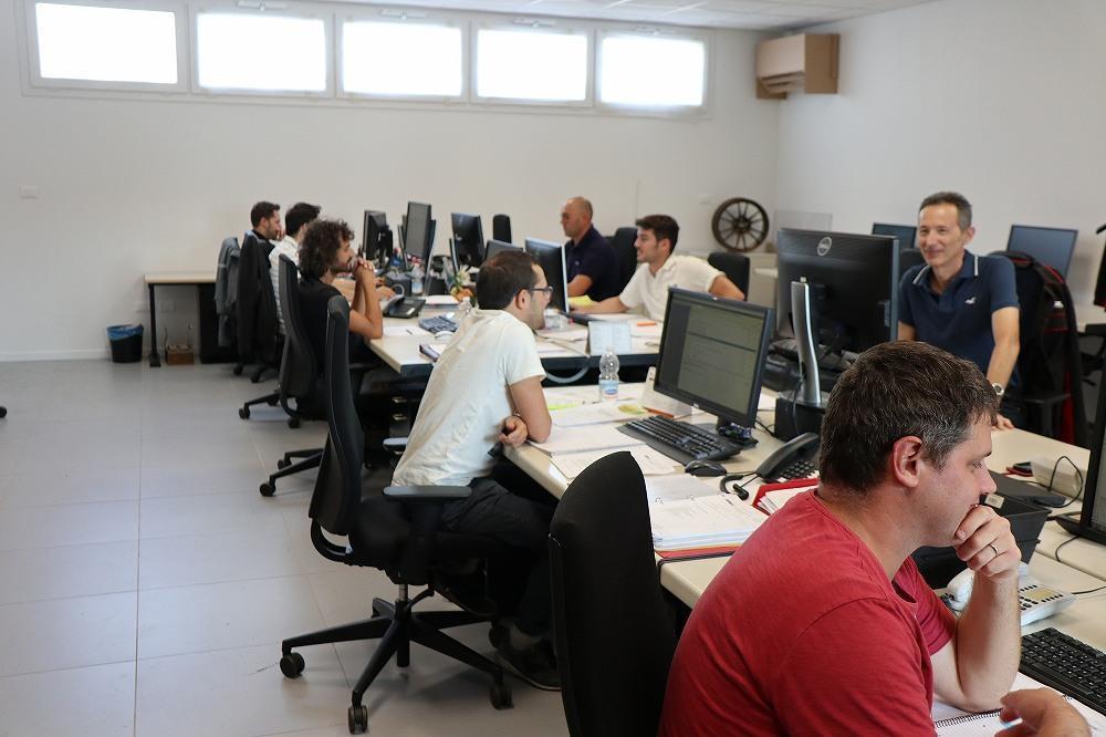 画像3: OZ Racing イタリア取材 第4部 OZ本社で働く人々の紹介 CARCLE MAGAZINE