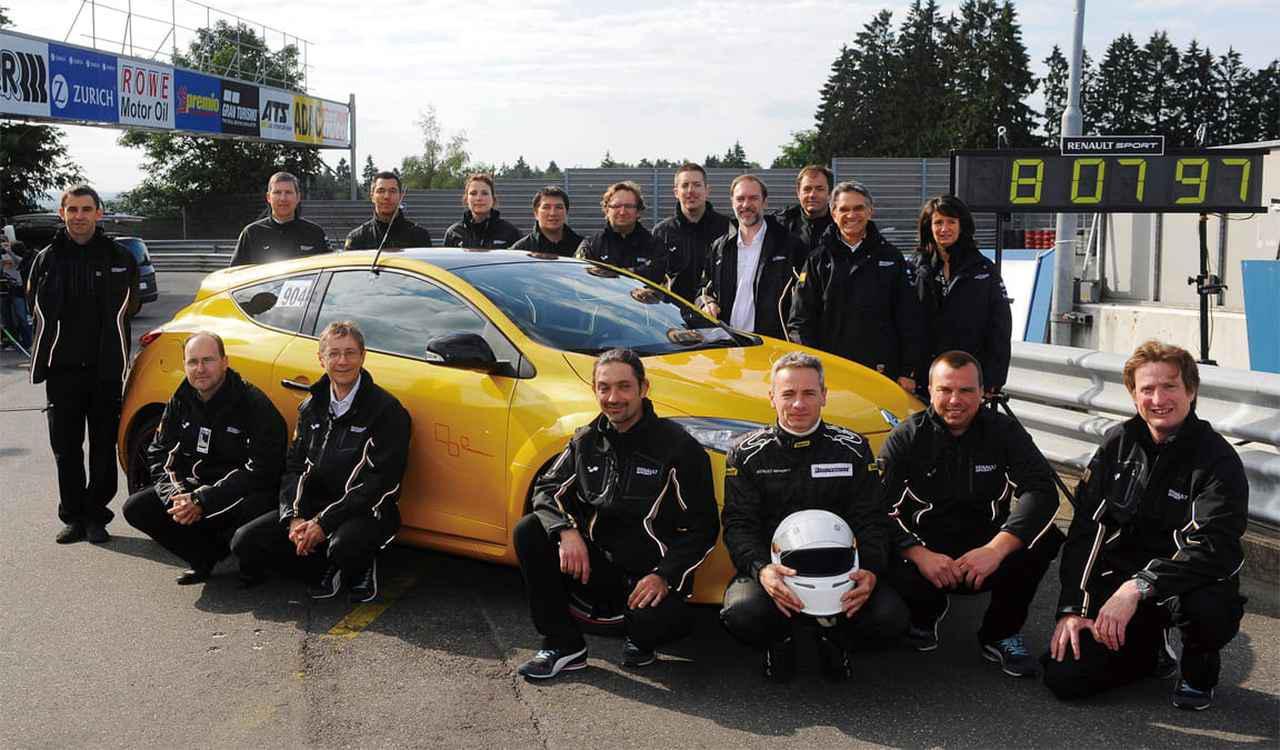 画像: 2011年、ニュルブルクリンク北コースでメガーヌⅢのR.S.トロフィーが8分07秒97を記録。