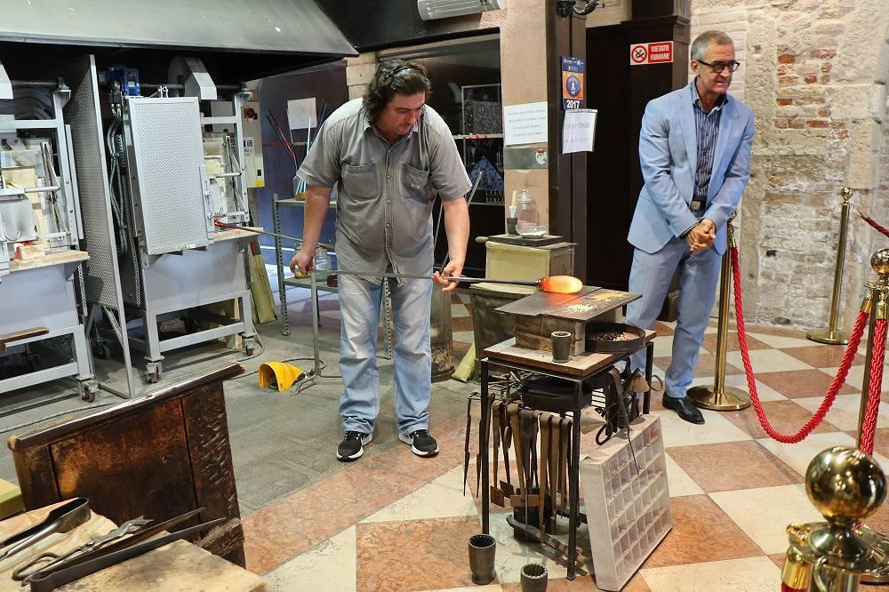 画像1: ヴェネチアングラスの製造現場