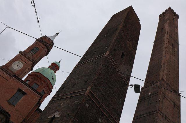 画像2: ボローニャの斜塔
