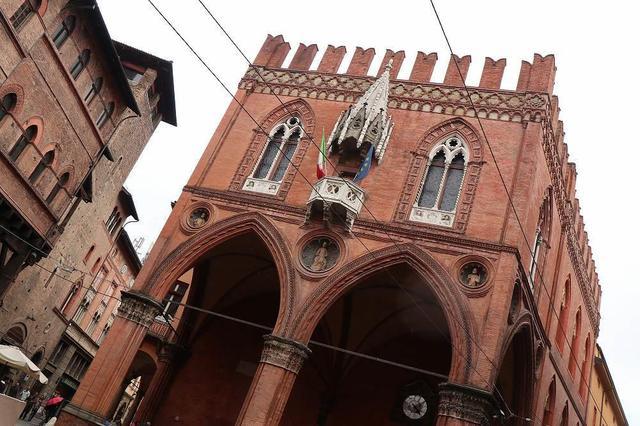 画像3: ボローニャの斜塔