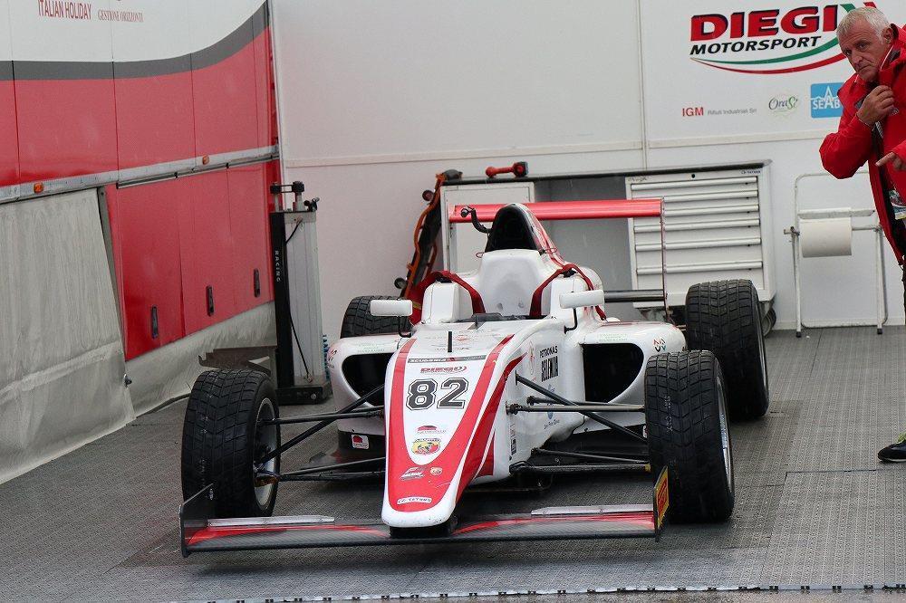 画像10: OZ Racing イタリア取材 第5部 トロフェオアバルトレース観戦|CARCLE MAGAZINE