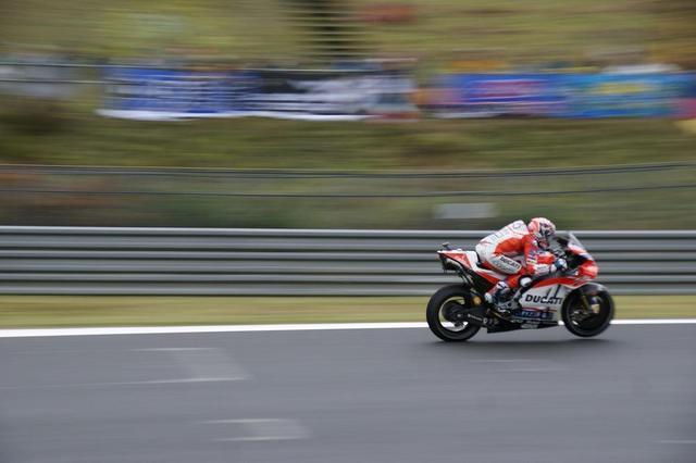 画像1: MotoGP日本グランプリ!コース間近の大迫力観戦  BICLE MAGAZINE