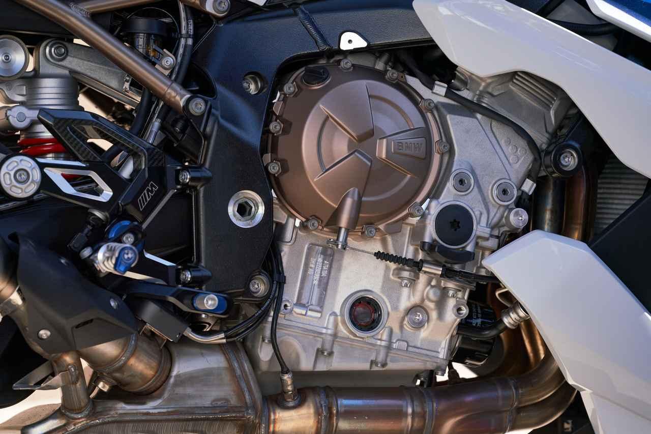 画像2: 新型BMW S 1000 R発表 大幅な軽量化を実現した新開発の並列4気筒エンジンを搭載