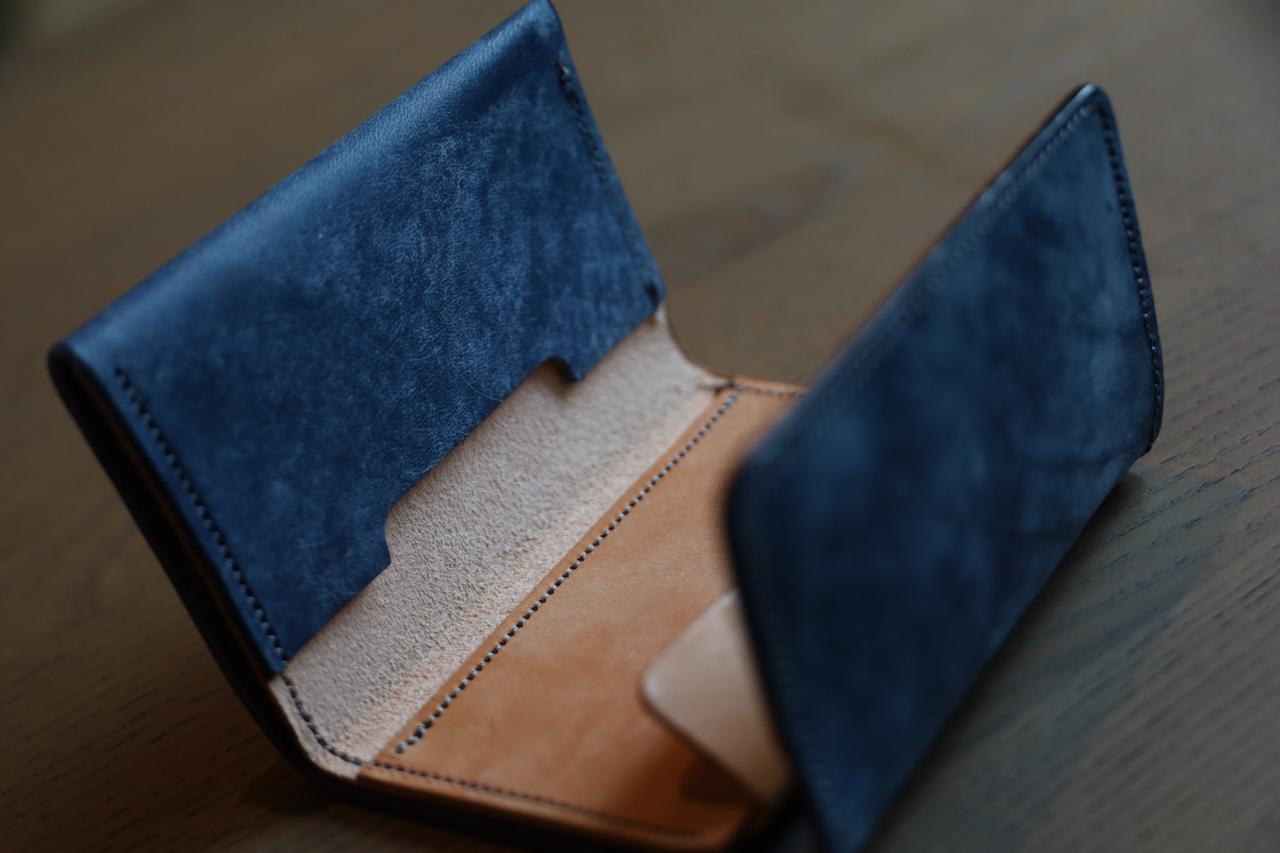 画像: 小さくて機能的なミニ財布