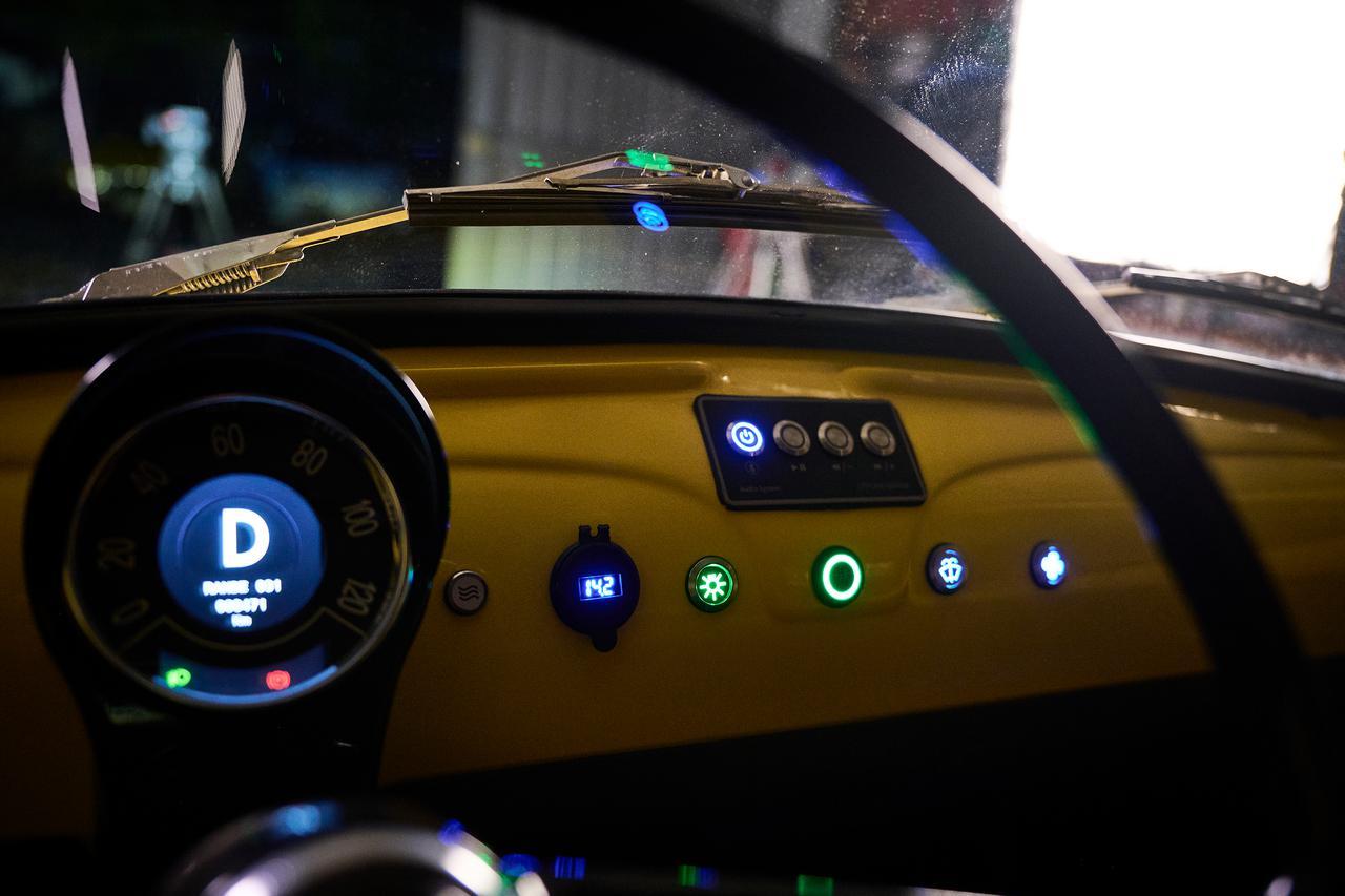 画像8: チンクエチェント博物館、「FIAT 500ev」  プロダクトモデル第1号車が完成