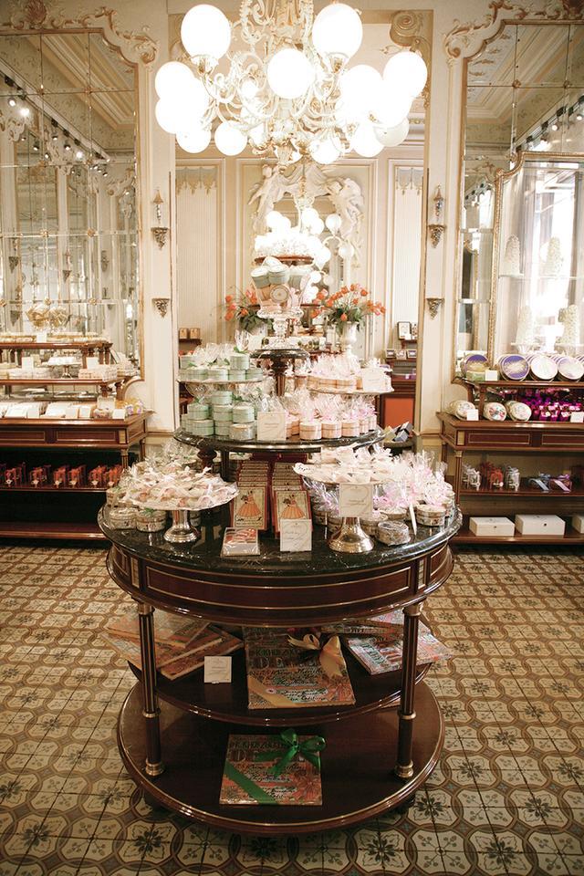 画像: 正統派デザートの殿堂 菓子舗「デメル」 COURTESY OF DEMEL