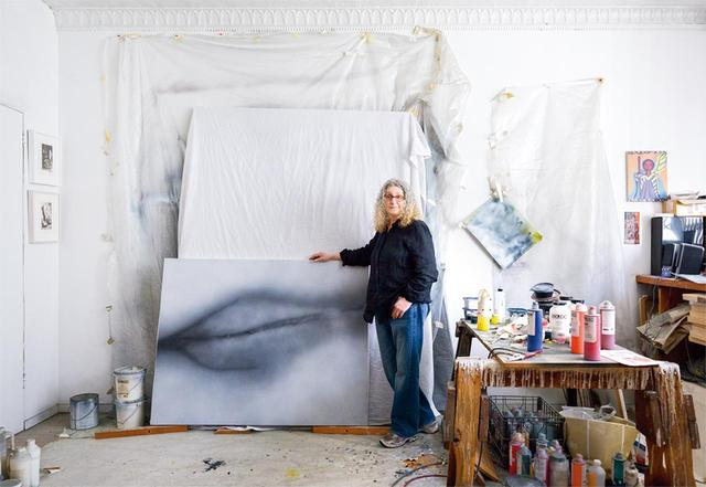 画像: ベティ・トンプキンズ。ニューヨークにある自身のスタジオにて