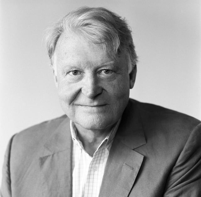 画像: Edward Dolman(エドワード・ドルマン) 1999年から2010年まで10年間CEOとしてクリスティーズに勤め、2011年、カタール美術館会長であるカタール王女事務所のディレクターに。王女任命により2014年5月までカタール美術館CEO代理を務めた。2014年7月より現職。2007年5月にはレジオンドヌール勲章シュバリエを受賞。2011年にはサルコジ大統領からオフィシエを受賞 PHOTOGRAPH BY BRIGITTE LACOMBE