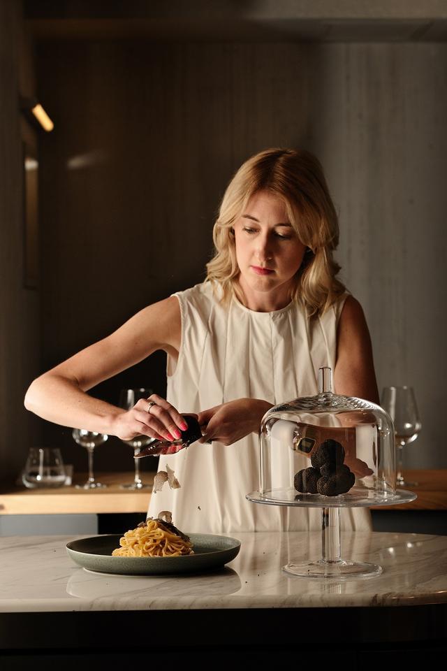 画像: イタリアで食文化を学び、ロンドンでレストランを開いた経験をもつセーラ