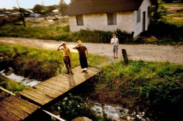 画像: ポール・フスコの『ロバート・F・ケネディ フューネラル・トレイン』(1968年) © PAUL FUSCO/MAGNUM PHOTOS