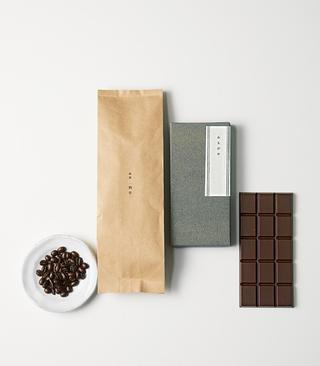 コーヒー(左)、チョコレート(右)