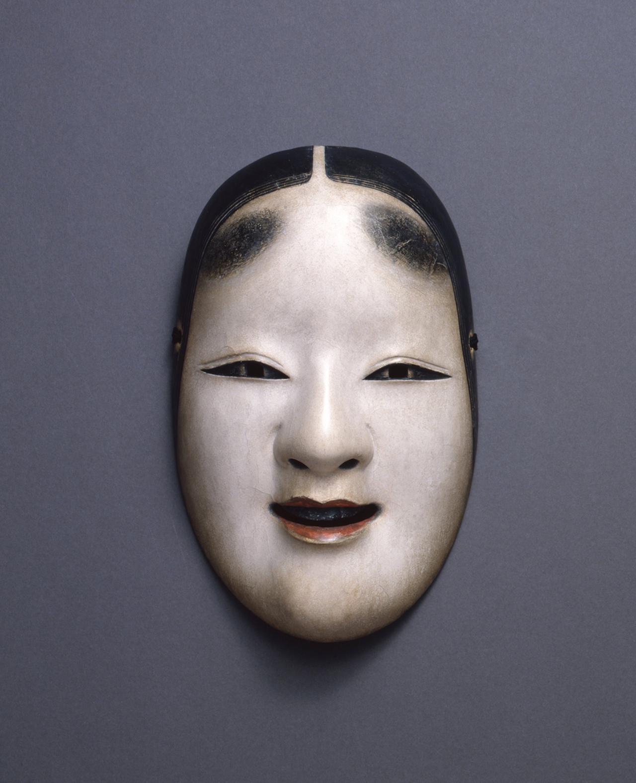Images : 2番目の画像 - 「能面に誘われてーー。 能楽師がキュレーションする 幽玄なる能の装飾品」のアルバム - T JAPAN:The New York Times Style Magazine 公式サイト