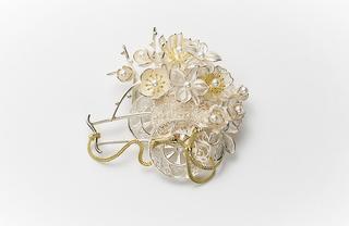 平戸細工のブローチ<18K、SV,あこや真珠>¥290,000