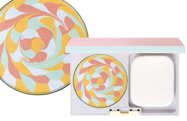 画像: ディエム クルール カラーブレンド ファンデーション 全4色 SPF23・PA+++ ¥5,300(パフつき)、同ケース¥1,200 COURTESY OF POLA