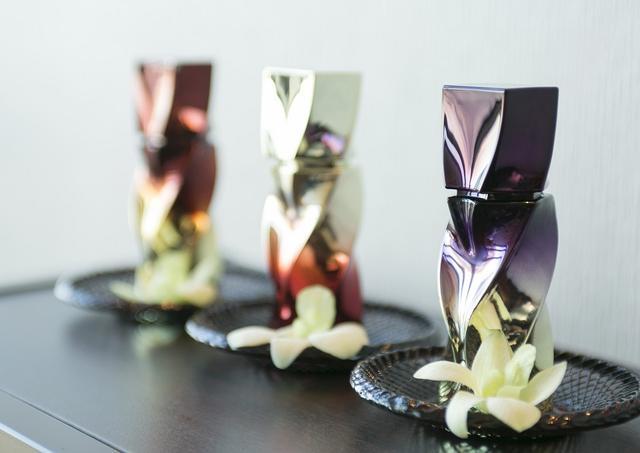 画像: クリスチャン ルブタンのパフュームオイルはセンシュアルで官能的な香り。百貨店4店舗のみで取り扱うほか、こちらのスパでも販売