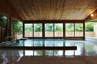 大浴場と露天風呂を備えた浴場「バードバス」