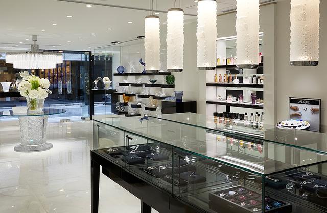 画像: 「ラリック銀座店」 1Fはアクセサリー、フレグランス、グラスなど、日常使いできるアイテムが揃う