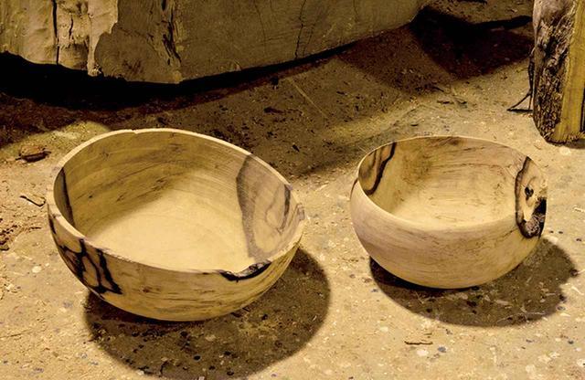 画像: 古材の風合いを活かした木工作家、吉川和人の作品