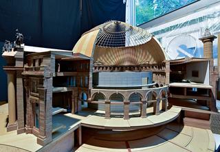 パリで設計が進む美術館の模型