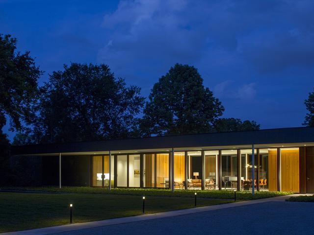 画像: インディアナポリスにあるチャンドラー宅。デザインはデボラ・バーク・パートナーズ。3,500平方フィートのこの住居は、2016年に完成した