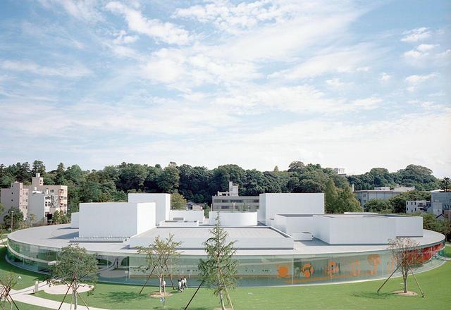 画像: 2004年開館の「金沢21世紀美術館」 © SANAA