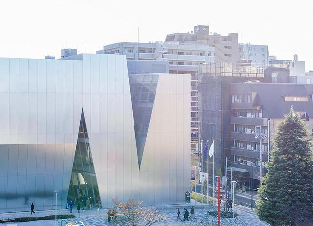 画像: 妹島事務所の最新作は東京・墨田区にある「すみだ北斎美術館」(2016年) © KAZUYO SEJIMA & ASSOCIATES