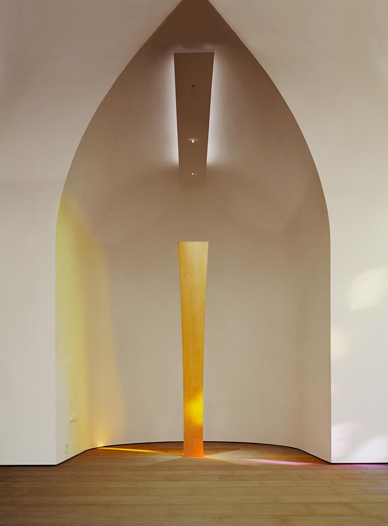Images : 5番目の画像 - 「形と色を追求したアーティスト エルズワース・ケリーが遺した 「光の寺院」」のアルバム - T JAPAN:The New York Times Style Magazine 公式サイト