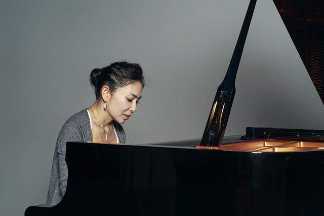 画像: ひとたびピアノに向かうと、途切れることなく曲想が湧き出る