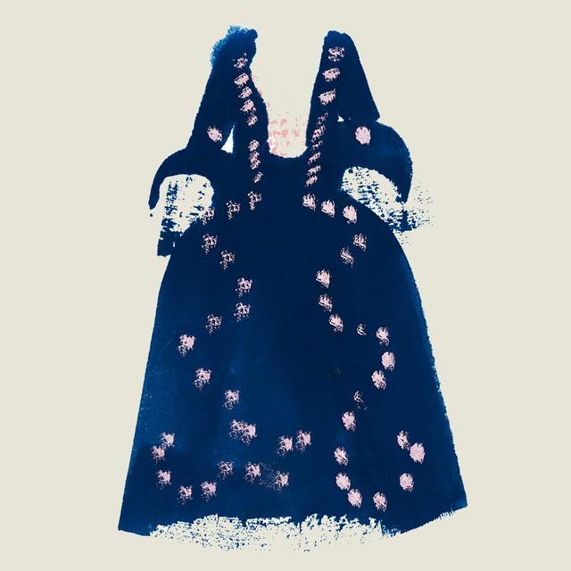 画像: 『危険な関係』('88年)でメルトゥイユ侯爵夫人を演じたときの、群青色のシルクタフタのドレス。 バラ飾りがあしらわれ、袖にはレースのカフが